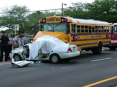 1-bus-and-car-crash.jpg